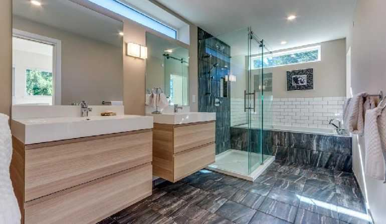 Crumpit Woods Oasis - Master Bathroom