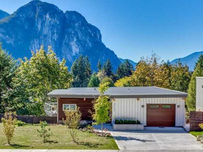 RDC's Energy Efficient, better built Crumpit Woods Homes in Squamish BC.  Take a peek and discover what makes an RDC Energy Star Home better than the competition!