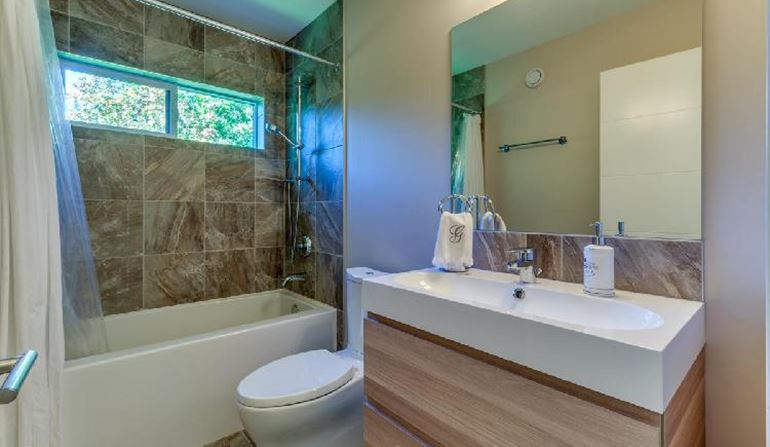 Crumpit Woods Oasis - Bathroom